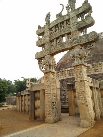 temple sanchi stupas