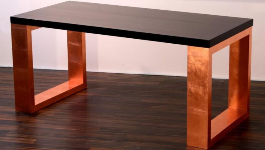 table basse réellement en cuivre avec plateau d'ébène