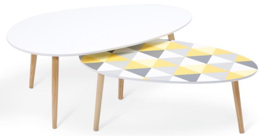 2 tables basses gigognes laquées pas cher dont l'une aux motifs géométriques colorés