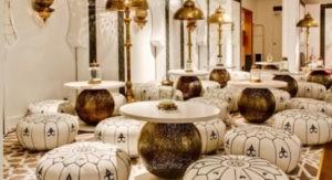 salon marocain dans un grand hôtel