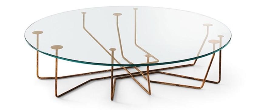 table basse artisanale en verre trempée ronde et pieds en laiton