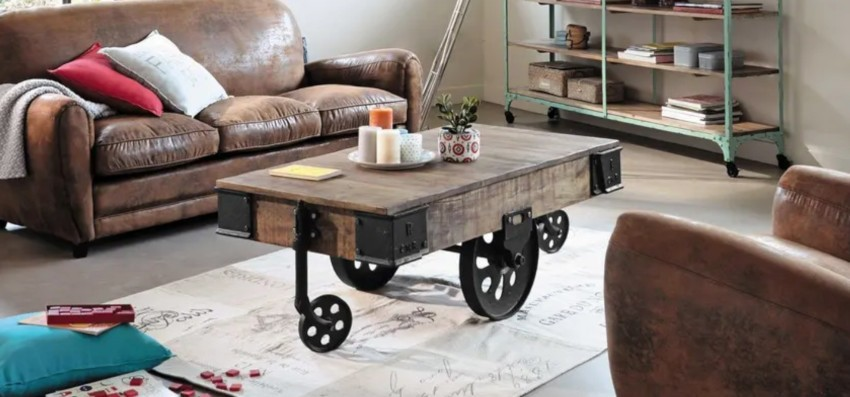 table basse rectangulaire industrielle en manguier massif et ses roues en acier