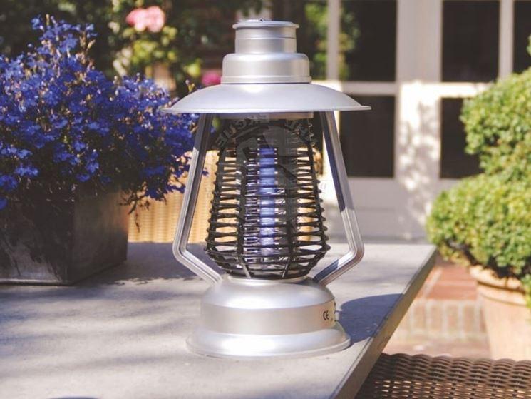 Lampe anti-moustiques